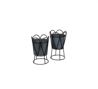 Perky Table Planter In Black Colour Composed Of Metal Ideal For Adorning Your Home