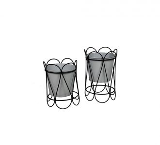 Exquisite Table Planter In Black Colour Composed Of Metal Ideal For Decoring Your Home